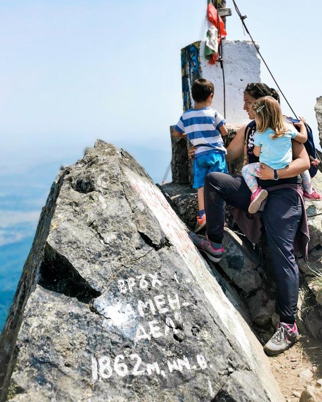 Изкачване на връх Камен дел с малки деца