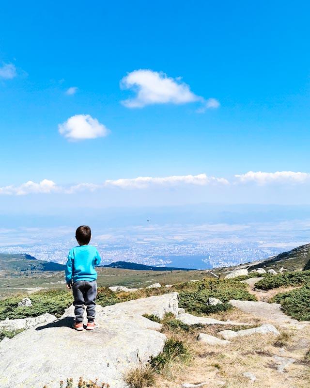 До Черни връх с четири годишен :)
